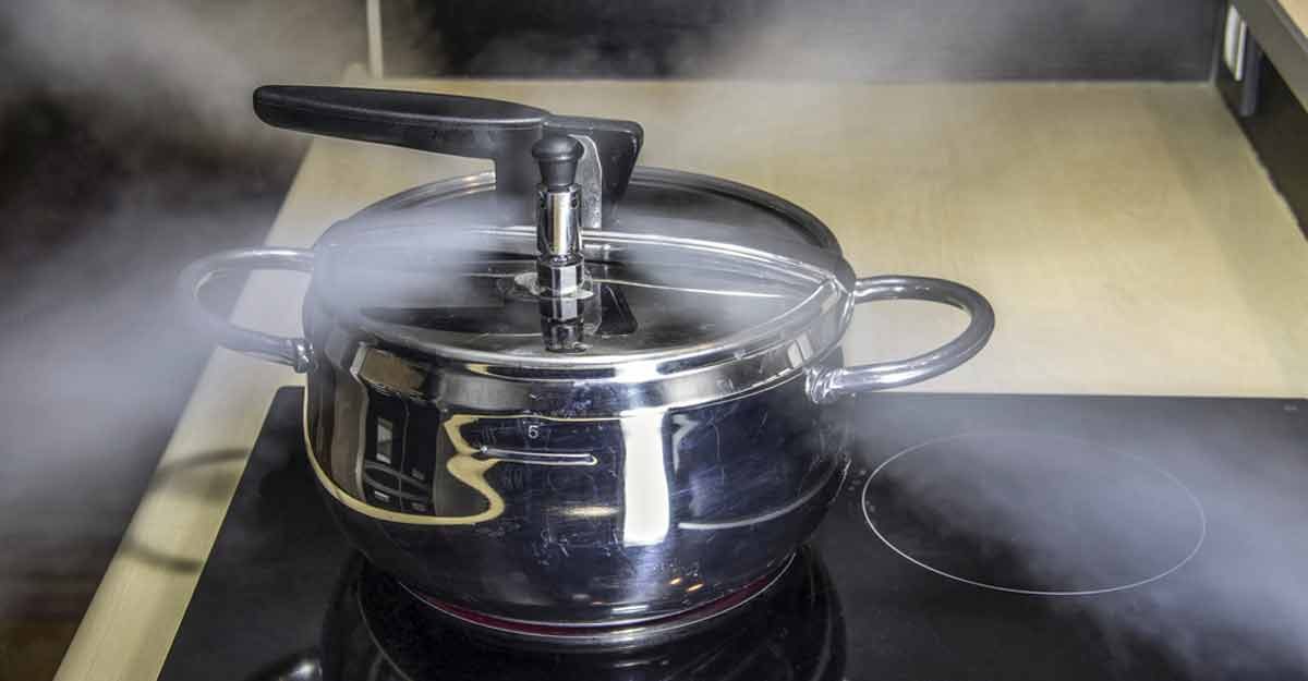 8 pressure cooker safety measures | Shutterstock