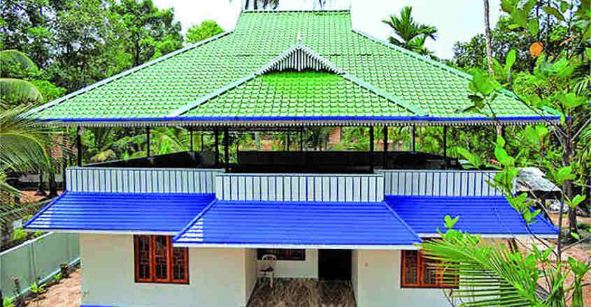 Construct attractive roofing to give a suave look to your house