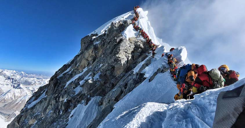 Indian climbers killed in the Everest 'traffic jam'