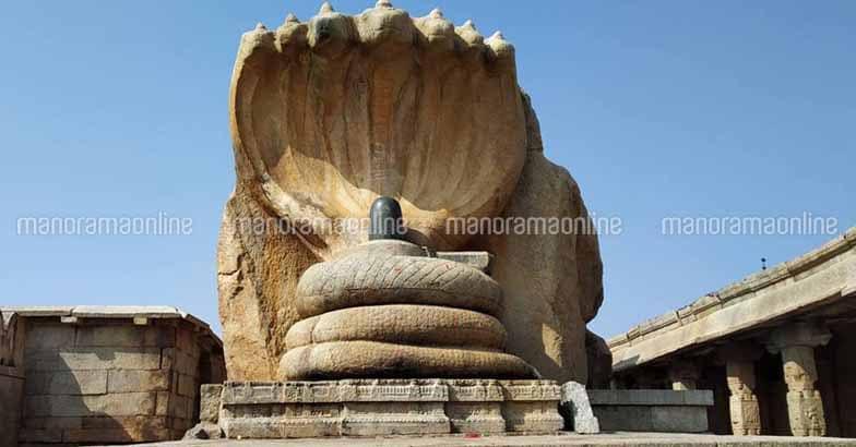 lepakshi-temple-naga-ling