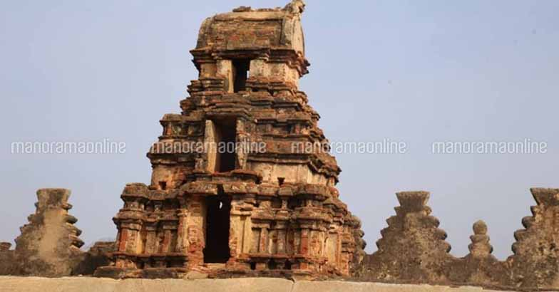 bhoganandishwara-temple-gopuram