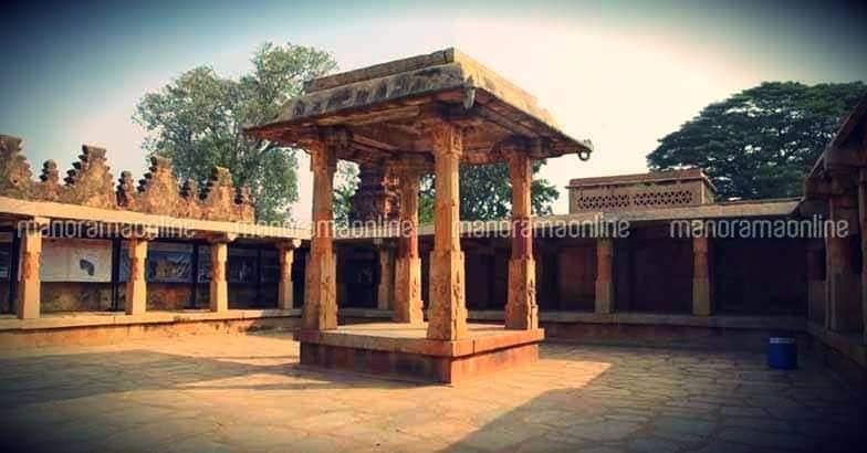 bhoghanadishwara-mandapam