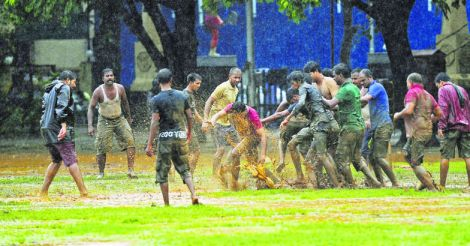 football-play-at-mumbai