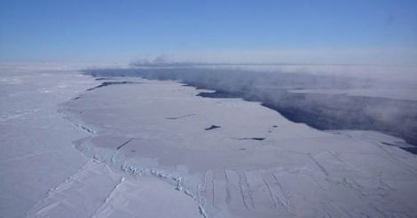 Giant hole reopens in Antarctic