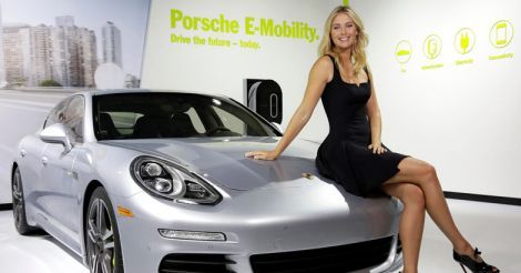 maria-sharapova-with-Panamera--se-hybrid