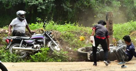 kollam-bike-accident-1