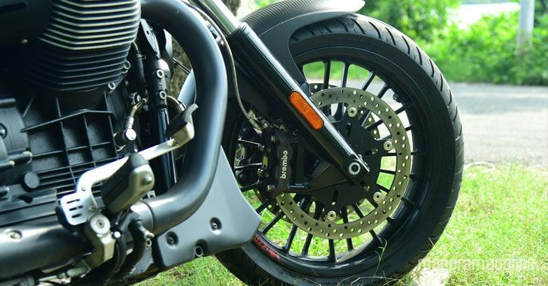 moto-guzzi-audace-test-ride-6
