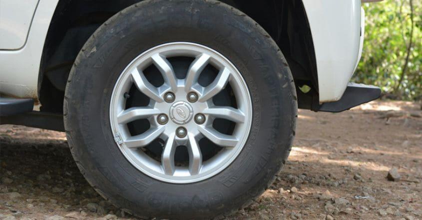 mahindra-tuv300-test-drive-2