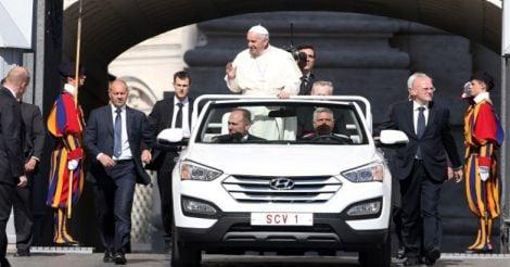 Hyundai Santa Fe Popemobile