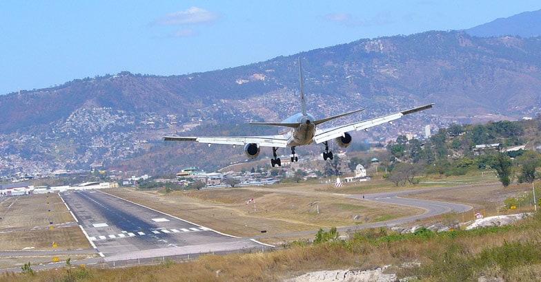 toncontin-airport-tegucigalpa-honduras
