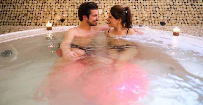 bathing-couple