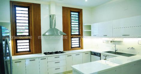 colonial-traditonal-fusion-house-kitchen