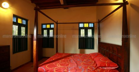 traditional-house-bedroom