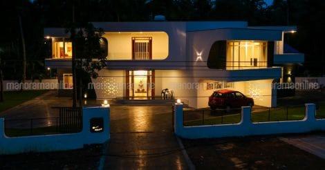 futuristic-house-kodiyeri-night
