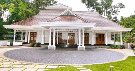 traditional-house-chingavanam-exterior