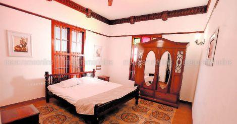 meghamalhar-colonial-bedroom
