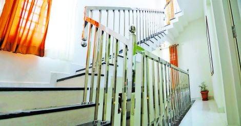 samith-house-stair