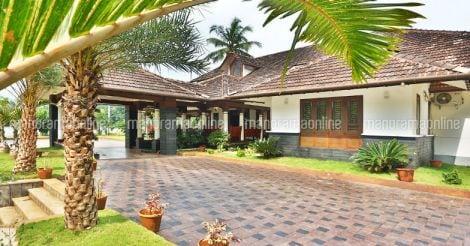 kerala-luxury-house-kuttiadi-landscape