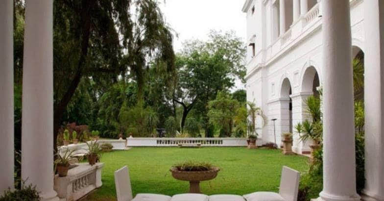 pataudi-palace-courtyard
