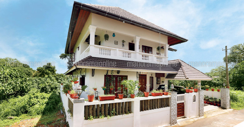 portuguese-style-house-in-small-plot