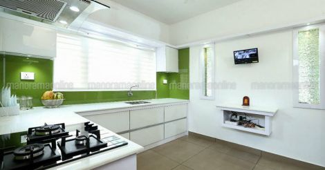 renovated-guest-house-kitchen