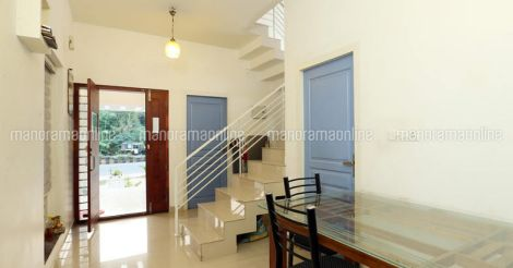 12-lakh-home-calicut-dining