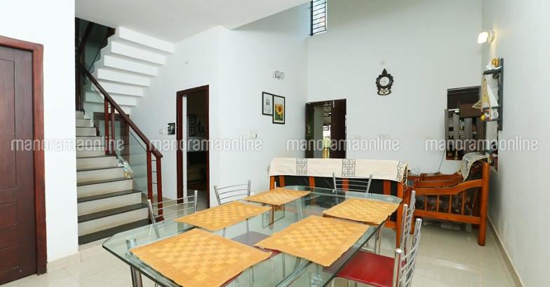 25-lakh-home-calicut-dining