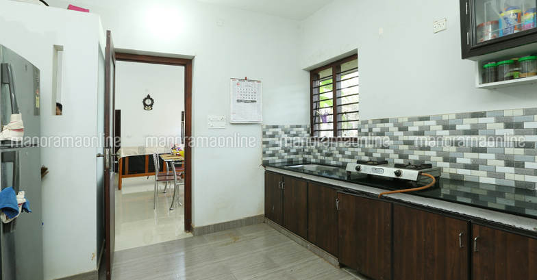 25-lakh-home-calicut-kitchen