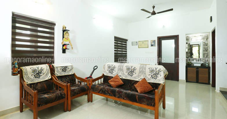 25-lakh-home-calicut-living