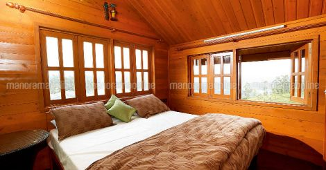 ooty-home-exterior-bed