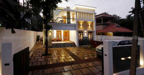 cheruvanur-house-exterior