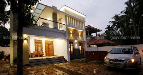 cheruvanur-house-night