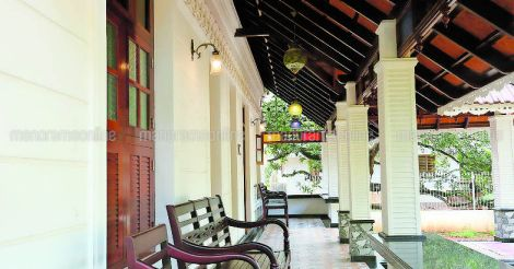 meghamalhar-colonial-house-sitout