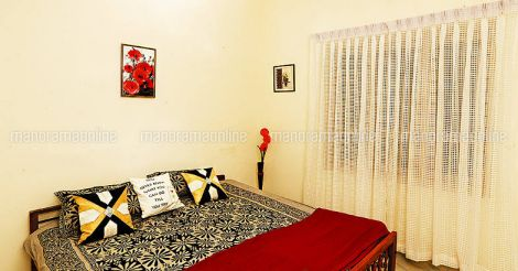 7-lakh-house-bedroom