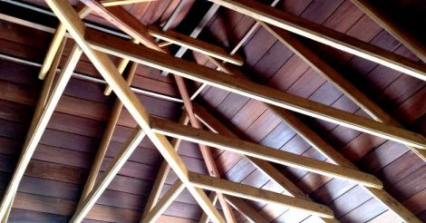 traditional-house-ceiling
