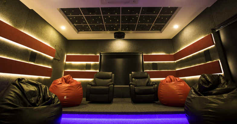 luxury-home-home-theatre