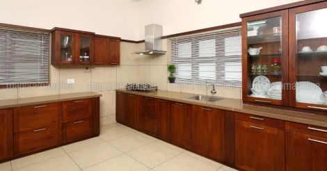 ponnani-house-kitchen