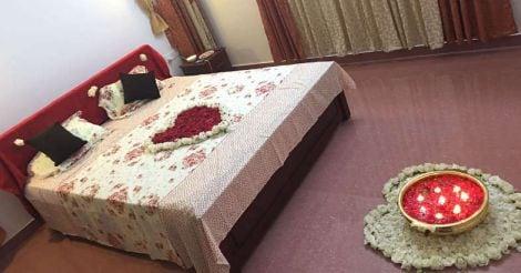 reader-home-bed