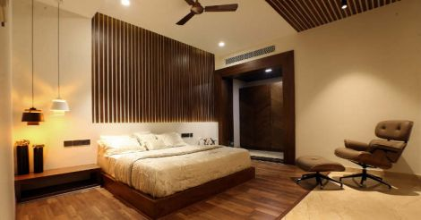 white-themed-house-bed