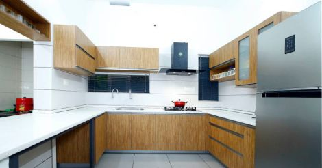 yellow-house-kitchen