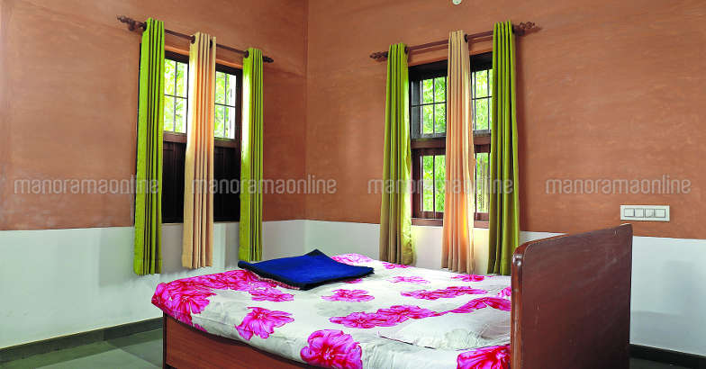 34-lakh-house-bedroom