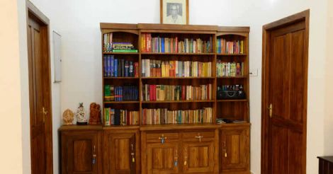 traditional-house-library
