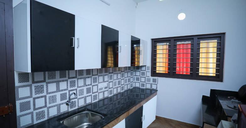 11-lakh-home-kitchen