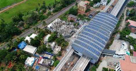 solar-panels-placed-on-roof-top-Muttom-Station