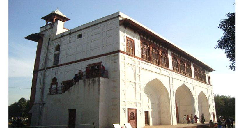 naubatkhana-red-fort