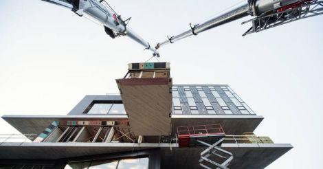 pre-fab-building-instalation