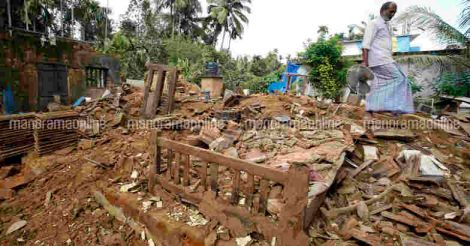 wayanad-destroyed-house