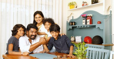 joju-george-with-family
