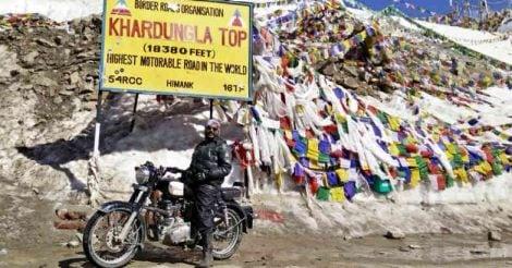 mattukutty-in-khardungla-pass