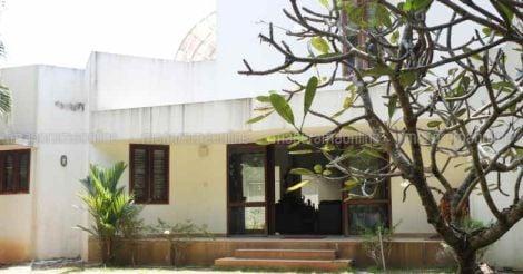 mallika-house-backyard